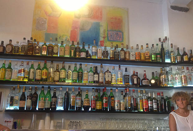 italie-cinque-terre-vernazza-bar
