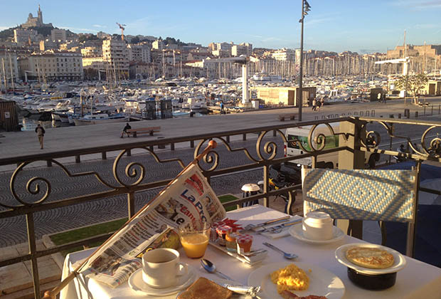 petit-dejeuner-la-residence-vieux-port