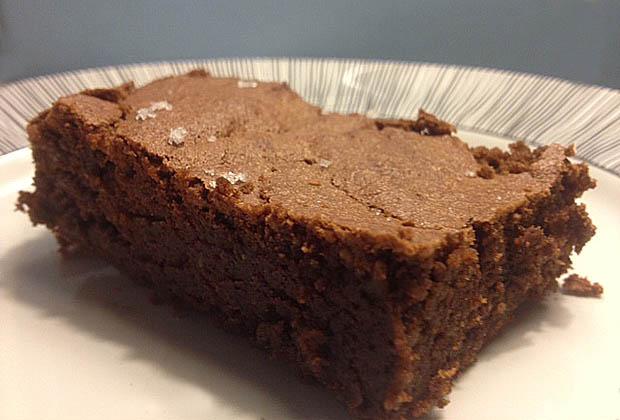 gateau-au-chocolat-sans-beurre-et-fleur-de-sel