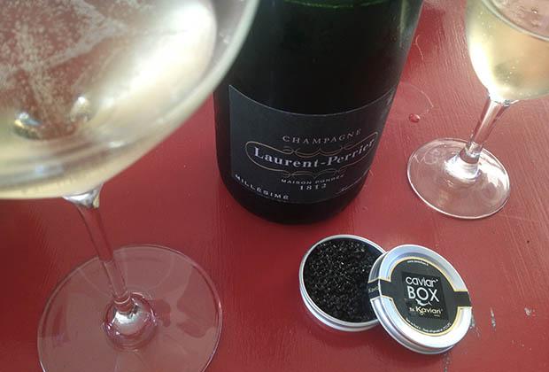 caviar-box-Kaviari