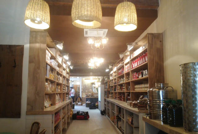 julia-sammut-epicerie-ideal-marseille-noailles