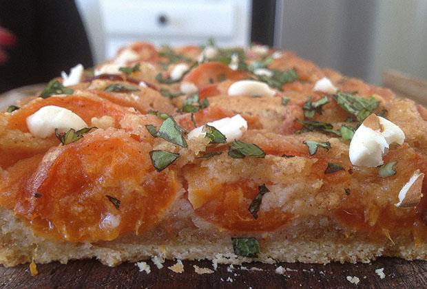 tarte-aux-abricots-noisettes-mercotte