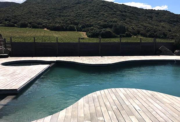 Vin, maison des vignes, table et biodynamie au domaine Pero Longo